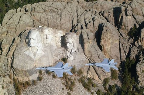 mount rushmore secret chamber carved by dynamite massive founding fathers at mt
