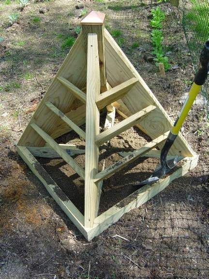 Pyramid Strawberry Planter by Strawberry Pyramid Planter Filling With Eversweet