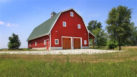 gambrel barn traditional wood barn great plains gambrel barn project