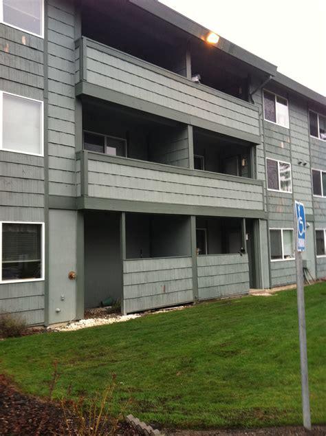 village green appartments river terrace apartments 1429 31st street se auburn wa 98002 rentalhousingdeals com