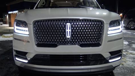 best navigator here s why the 2018 lincoln navigator is the best suv