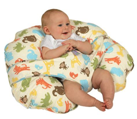 how to use a boppy nursing pillow btdt leachco cuddle u nursing pillow vs boppy