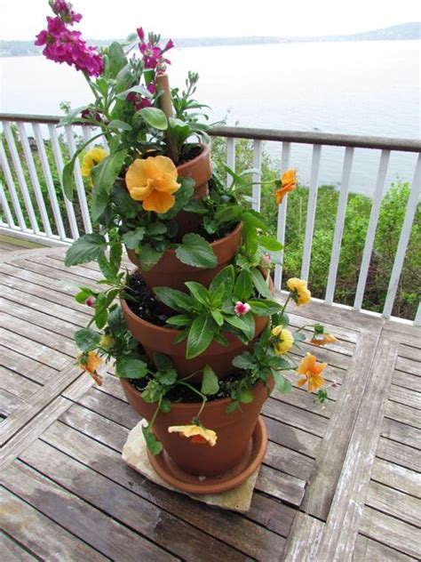 Stacked Planters by Diy Stacked Planters Home And Garden