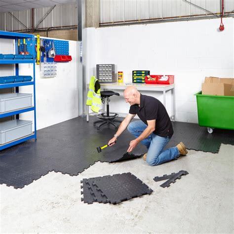 floor value value interlocking vinyl floor tiles mats flooring from bigdug uk