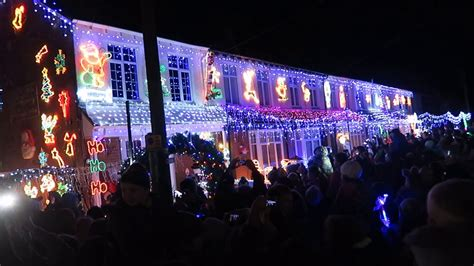 byron road new milton christmas lights switch on 2016