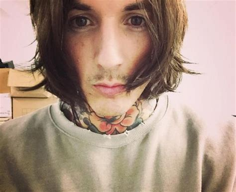 Oliver Sykes Hairstyle by Oli Sykes Signature Hairstyles Keeps Us Up At 10