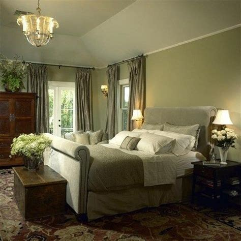 Green Bedroom Decorating Ideas by Best 25 Olive Green Bedrooms Ideas On Olive