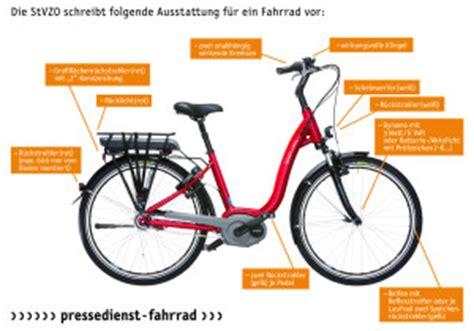 Wie Viele Motorrad Fahrstunden Sind Pflicht by Die Vorgeschriebene Fahrrad Ausstattung Magazin Auto De
