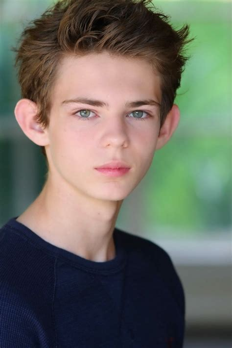 who is the actor whi plays peter pan in the geico actor who plays peter pan newhairstylesformen2014 com