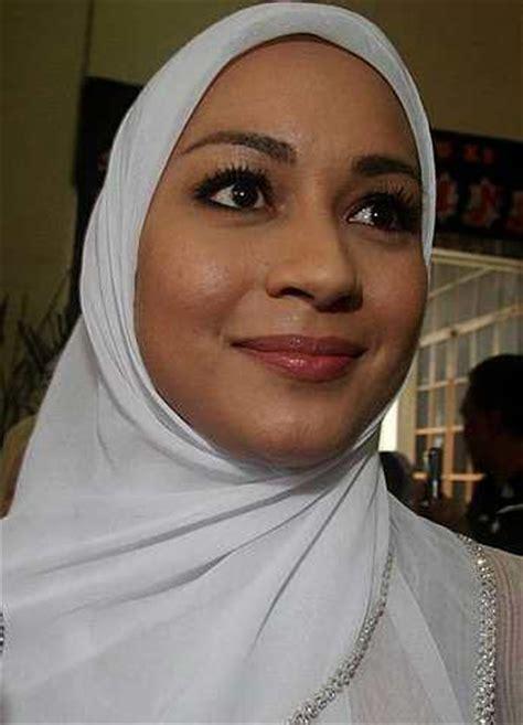 Makeup Di Malaysia karin dengan solekan make up nipis azhan co
