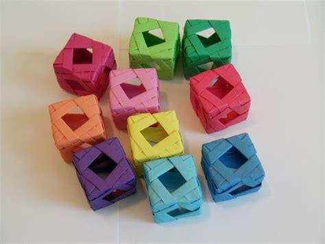 Modular Origami Cube - window cube modular origami