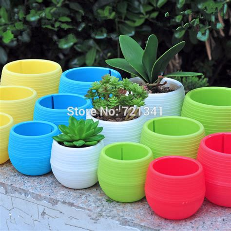 Sale Pot Bunga Mini 2017 wholesale colorful plastic plant pots water storage