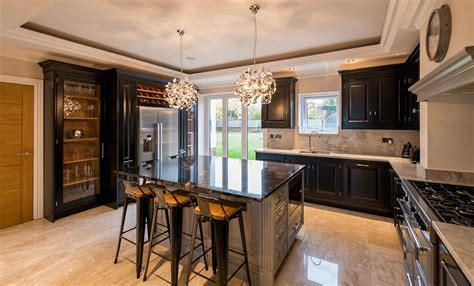 black classic kitchen acanthus