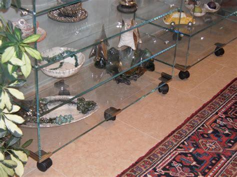 mensole di vetro su misura vetrinette mensole e tavoli in vetro vetri su misura