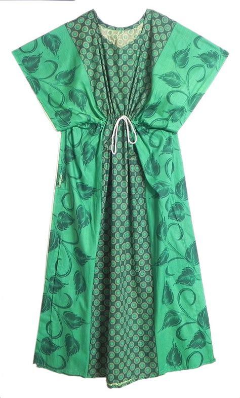 Kaftan India Bordir Niritha black leaf print on green cotton kaftan