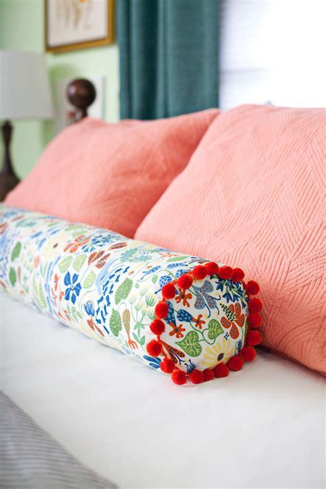 pillow bed diy 17 best ideas about diy pillows on pinterest sewing
