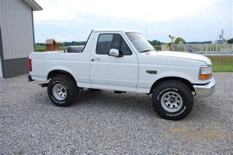 purchase used 1993 ford bronco xlt lariat sport utility 2 door 5 8l in dixon kentucky united