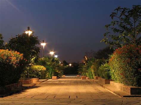 fileexample of night photography at the garden of five