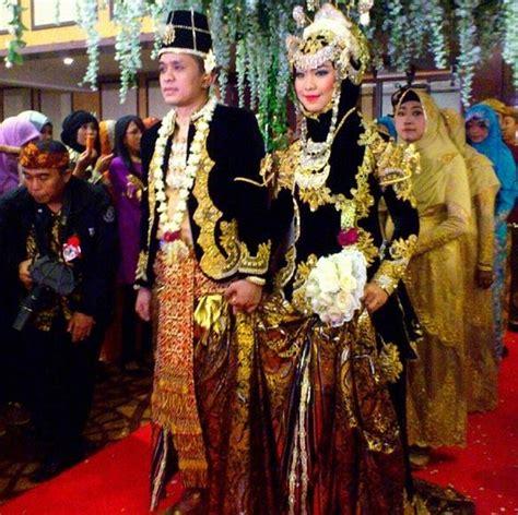 Baju Resepsi Jawa baju pengantin oki setiana dewi ala minang karya asri welas inspirasi pengantin muslimah