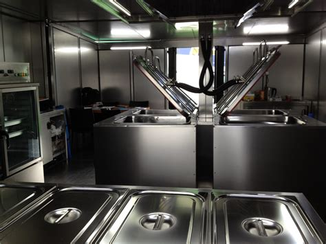 restaurant cuisine en sc鈩e annonay containers am 233 nag 233 s en cuisines mobiles containers