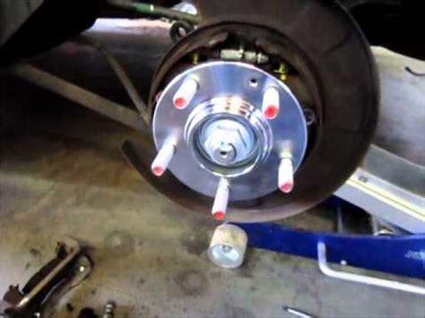 how to change wheel and hub 2011 kia kia sportage wheel bearing replacement youtube