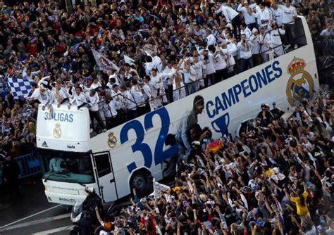 Real Mahasiswa ribuan madridista rayakan gelar juara el real sepak bola