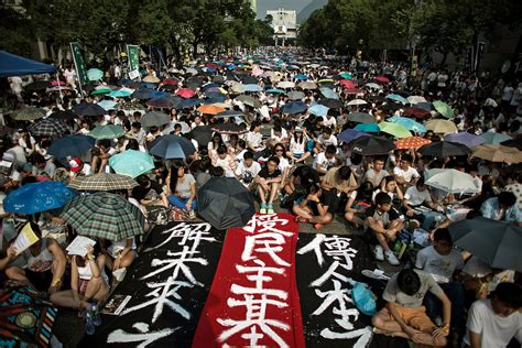 hong kong students boycott classes in democracy fight the new york times