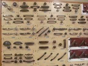 Refacing Old Kitchen Cabinets Maniglie Armadio Gli Accessori Caratteristiche E