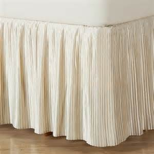 How Do You Wash A Feather Duvet Hyde Park Mini Pleat Ivory Satin Bedskirt 14 Quot And 18