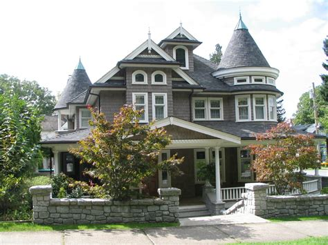 New Victorian Style Homes | maintaining the integrity of your victorian home