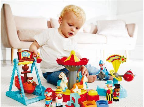 giochi in casa bambini 3 anni giochi per bambini divertenti da fare in casa bambini