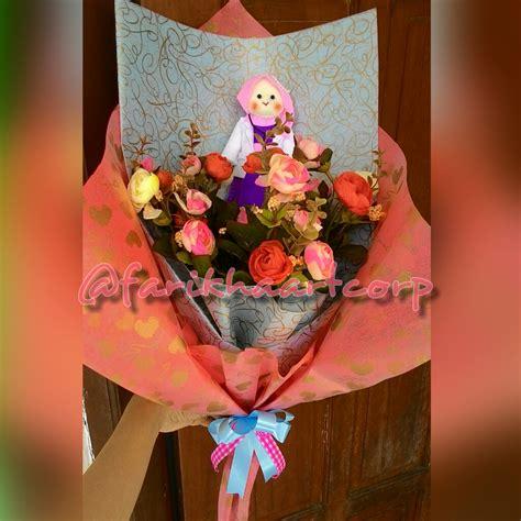 Buket Boneka Doraemon Dan Bunga buket bunga farikha corp f a c semarang