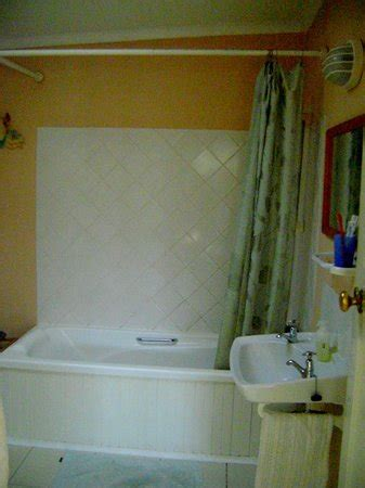 bathrooms and showers direct reviews bath and shower picture of glenconner cottages