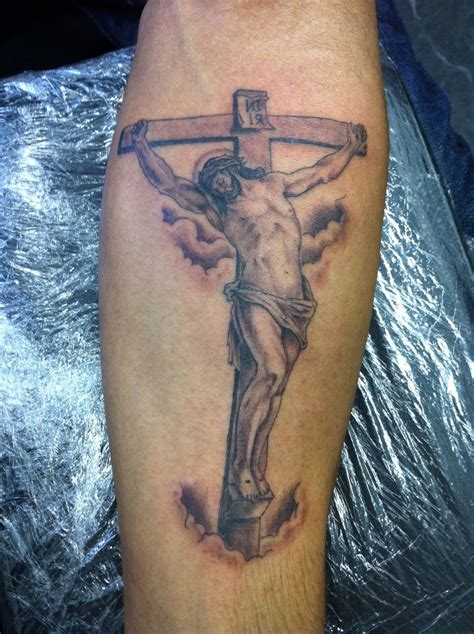 different cross tattoos different jesus cross on back caymancode