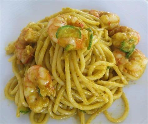 pasta con fiori di zucchine ricette spaghetti con gamberi e crema di fiori di zucca ricette