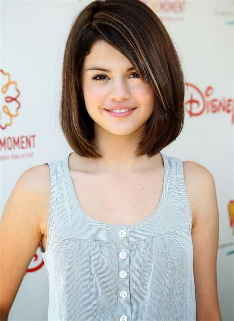 model rambut pendek sebahu ter popular   model