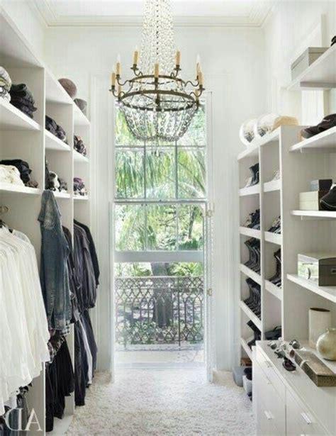 kleiderschrank einrichten begehbarer kleiderschrank planen 50 ankleidezimmer