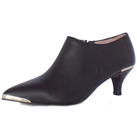 elysess chicago trendy ankle boots in black mozimo