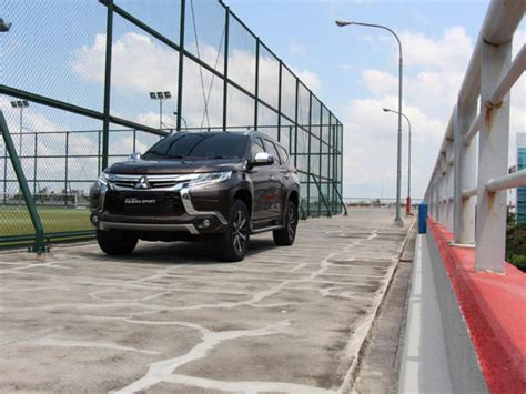 All New Pajero Sport Cover Wiper Mobil Jsl Rear Wiper Cover fitur apa saja diborong all new mitsubishi pajero sport mobil123 portal mobil baru no1