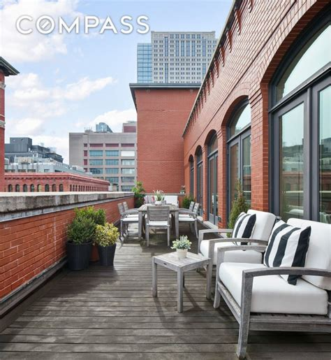 Gwyneth Paltrow Backtracks Ny Home Sale by Gwyneth Paltrow Is Trying To Sell Tribeca Penthouse