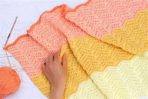 neutral ripple afghan allfreecrochetafghanpatterns com modern gender neutral crochet baby blanket free pattern