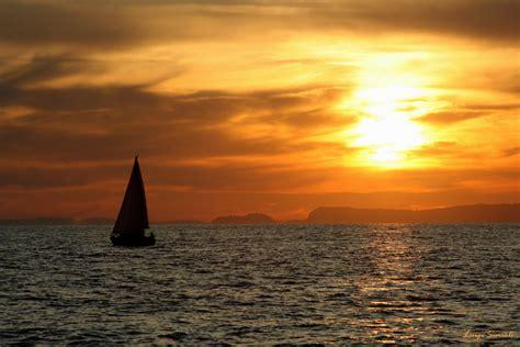 de marinis cafã la barca al tramonto foto immagini paesaggi mare
