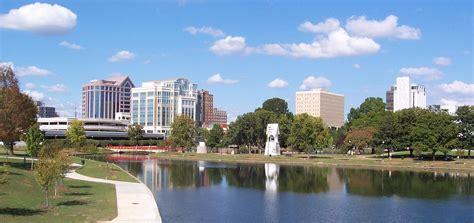 file downtown huntsville alabama cropped jpg wikimedia