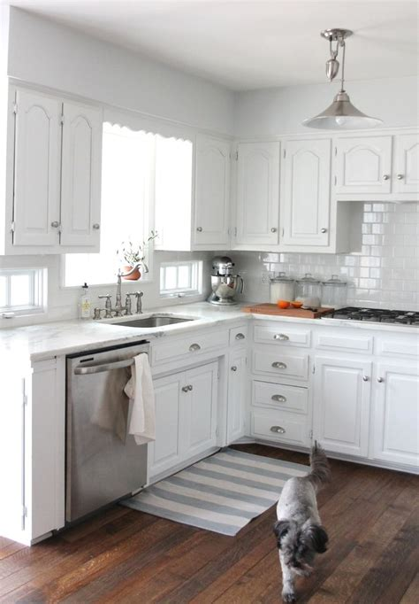 Small White Kitchen Design Ideas White Kitchen Cabinets Small Kitchen Kitchen And Decor