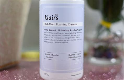 Klairs Rich Moist Foaming Cleanser 100ml dear klairs rich moist foaming cleanser daftar update