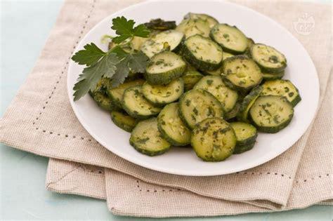 come cucinare le zucchine trifolate ricetta verdure trifolate alle acciughe ricetta