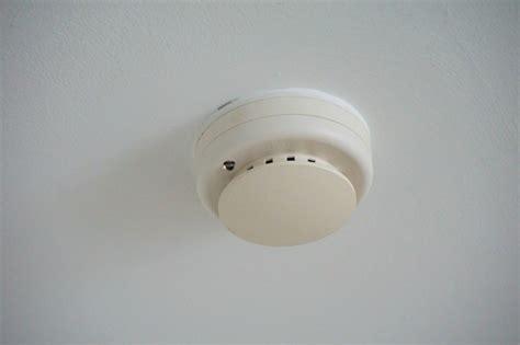 Smoke Detector 1 smoke detectors beep when the temperature drops thriftyfun