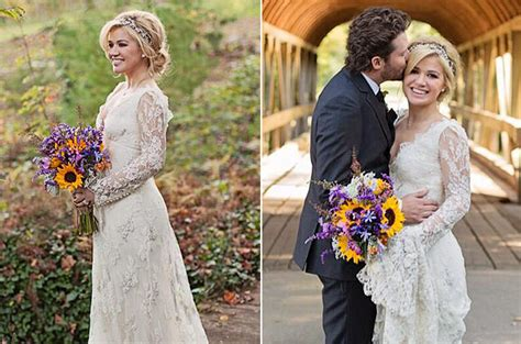 Kelly Clarkson's Wedding, 'Wrapped in Red' Album Spur Social 50 Chart Gain   Billboard