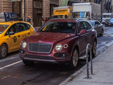 bentley suv price bentley bentayga suv 2018 review photos details