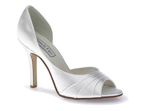 looking stylish with vera wang wedding shoes cherry